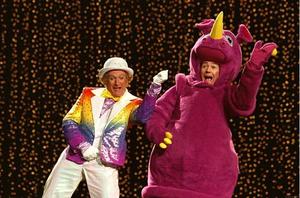 Robin Williams and Edward Norton in 2002's Death To Smoochy