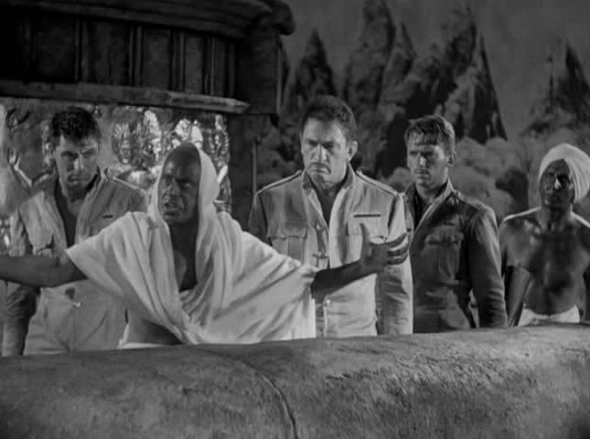 One of my dad's favorite movies was Gunga Din. Gunga Din starred one of my favorite actors of all-time...Cary Grant. Gunga Din was the 5th biggest box office hit of 1939.