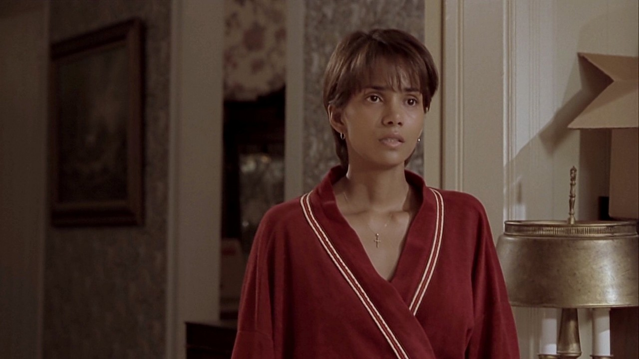 Halle berry in monster s ball 2 6