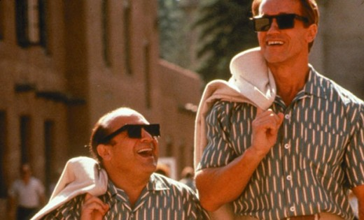 Danny DeVito and Arnold in 1988's Twins