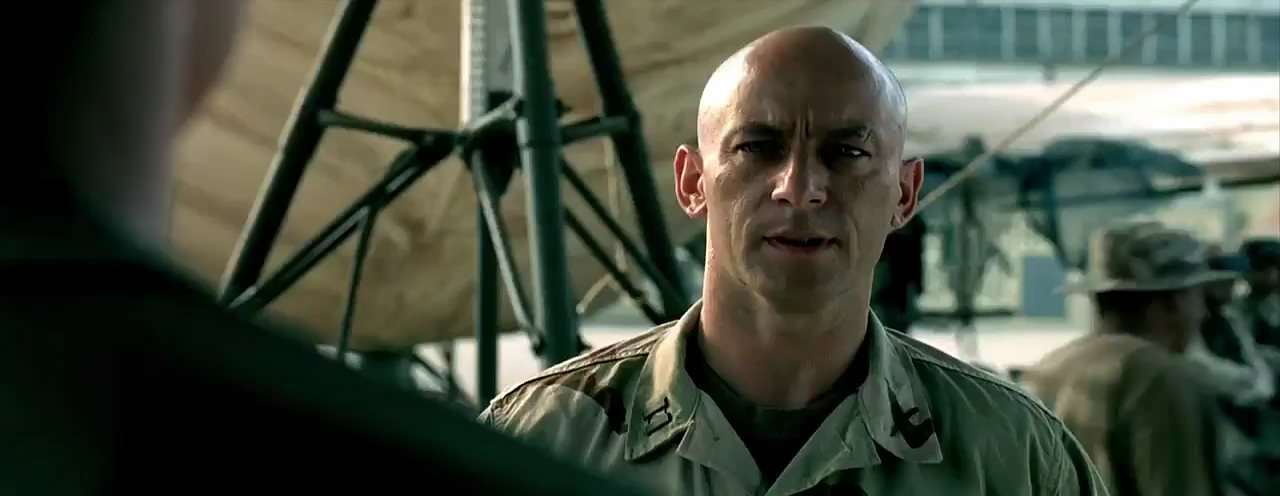 Jason Isaacs as Steele in Black Hawk Down