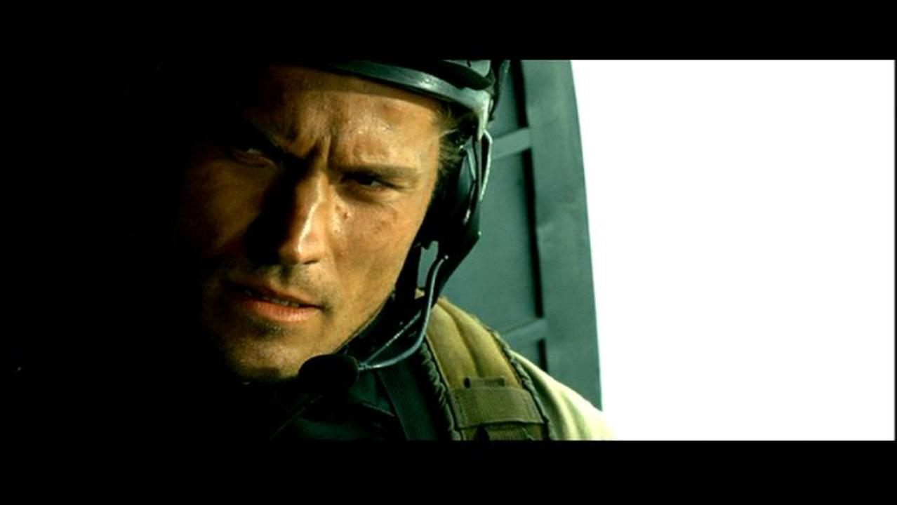 Nikolaj Coster-Waldau as Gordon in Black Hawk Down
