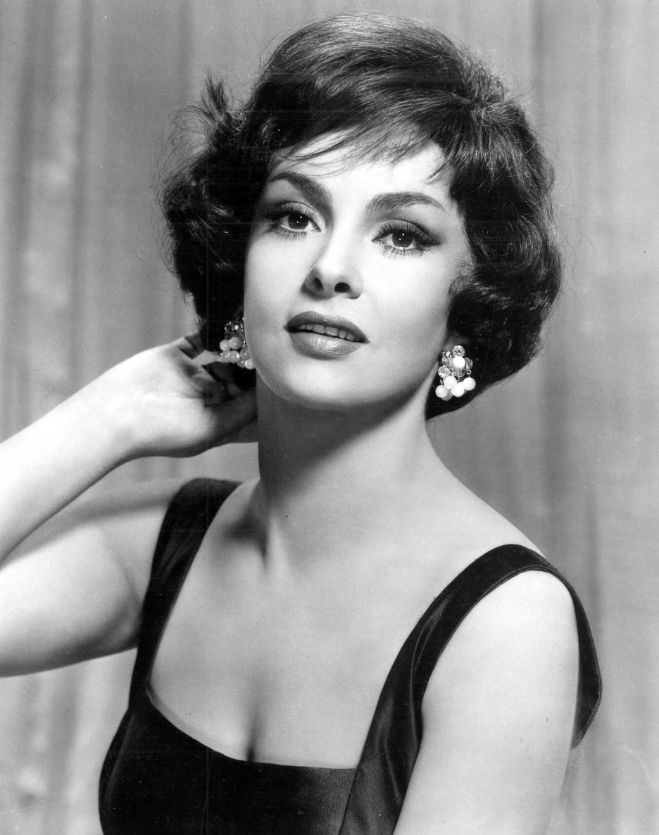 Gina Lollobrigida Nude Photos 59
